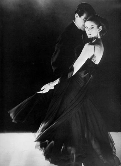 Ann Saint-Marie pentru Saks Fifth Avenue, fotografiata de Henry Clarke in 1959