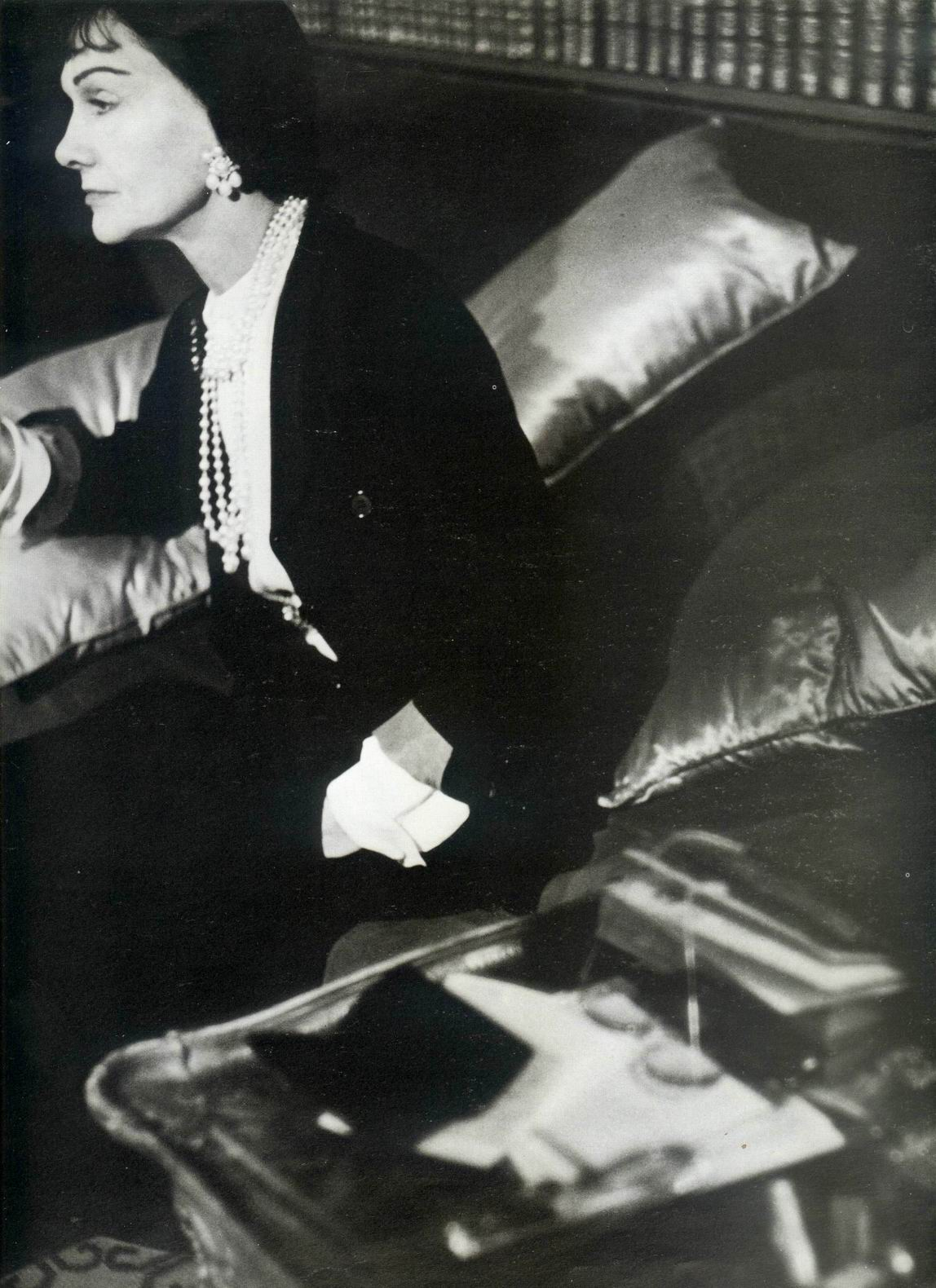 Coco Chanel fotografiata de Henry Clarke in 1954