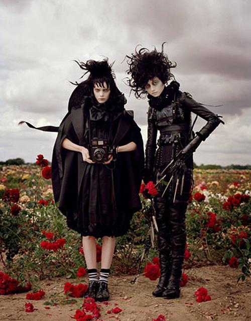 Tales of the Unexpected: Tim Burton, Helena Bonham Carter, Imelda Staunton si Jamie Bell fotografiati de Tim Walker pentru Vogue UK decembrie 2008