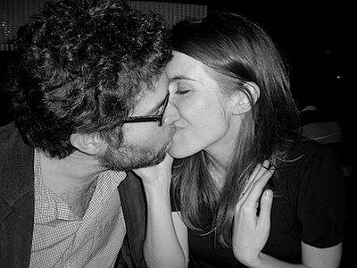 12-kiss_sm.jpg