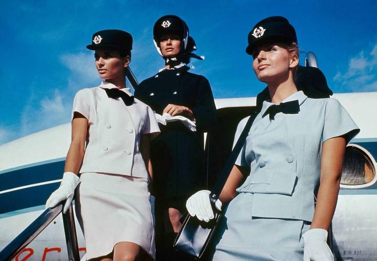 Uniformele Balenciaga din anii '60